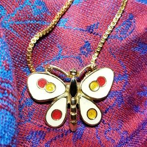 Jewelry - Cheerful butterfly necklace enamel gold tone